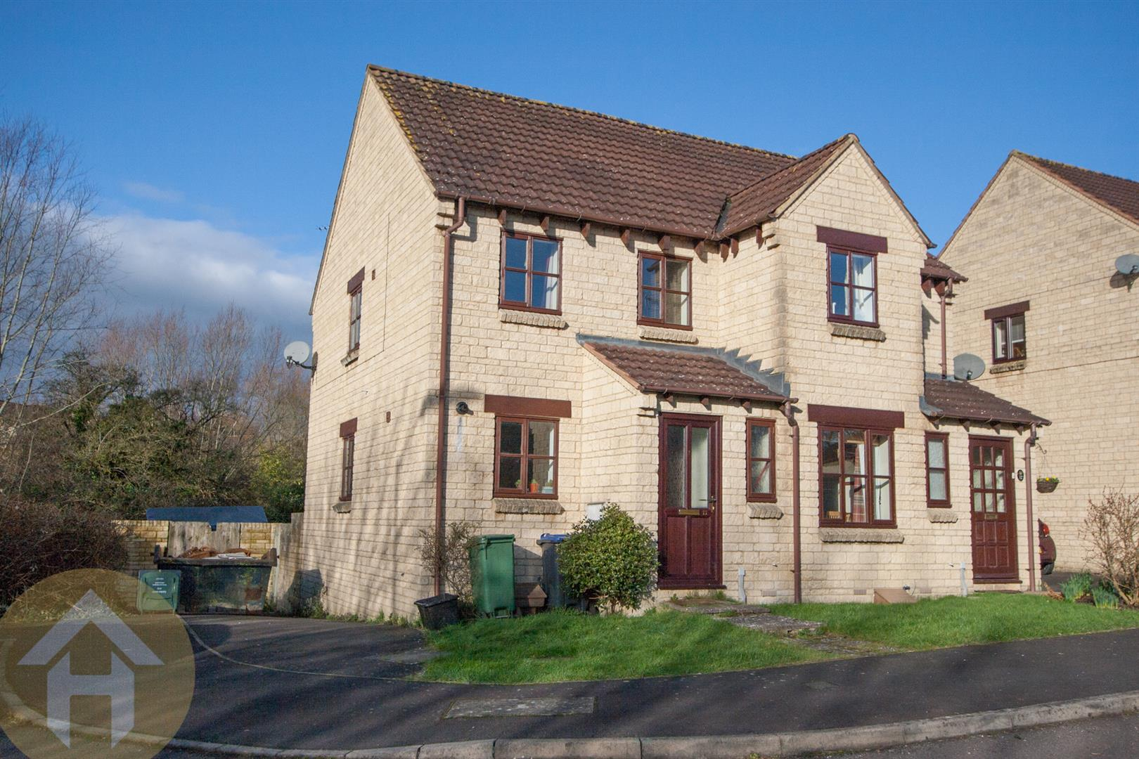 3 Bedrooms Semi Detached House for sale in Roebuck Close, Royal Wootton Bassett,